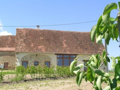 Photo for Gite Cérilly, 2 bedrooms, 4 persons