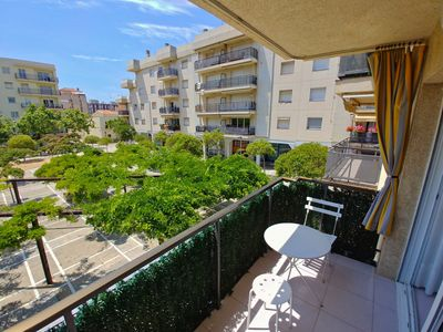 Photo for Bright apartment with balcony to the Plaza Can Mario de Palamos
