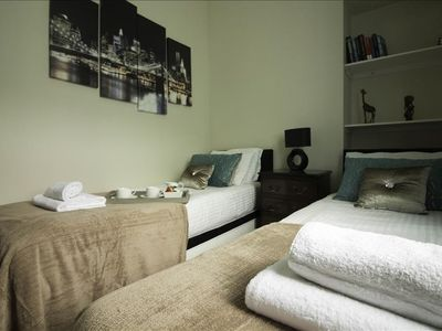 Photo for Apartment in the center of Dumbarton with Internet, Washing machine (511537)