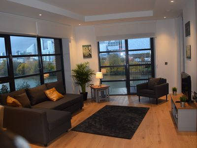 Photo for Luxury New and Spacious 3 Bedroom, 2 Bathroom, Riverside Apt, Canary Wharf, E14