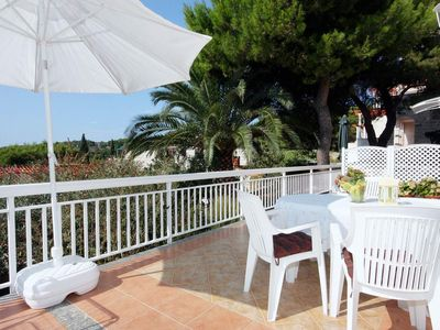 Photo for Studio flat with terrace and sea view Sumartin (Brač)