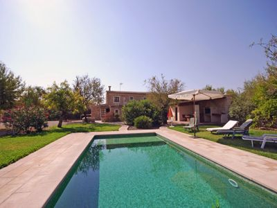 Photo for House with spacious rooms and nice pool