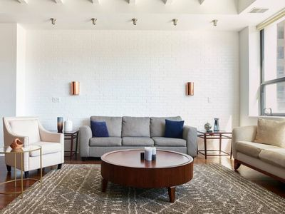 Photo for Luxury 2BR Apt in South Loop near Museum Campus by Domio