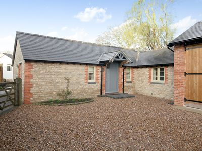 Photo for 1 bedroom accommodation in Wendlebury, near Bicester