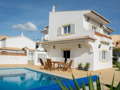 Photo for Cozy modern holiday home in the 1st OG of the Casa Tobias with pool