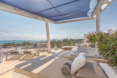 Penthouse 09 Ocean View Private Rooftop Terrace w/ Amazing South East Ocean View
