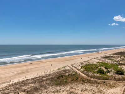 Photo for Oceanfront condo w/ balcony, shared pool, beach access - Great location!