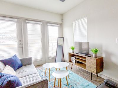 Photo for Chic | Bright & Airy | 2bd/2ba | Near Downtown | Amazing City Views!!!