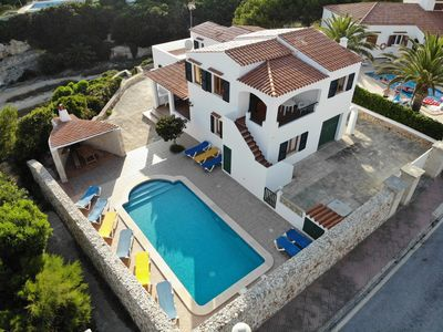 Photo for Villa 11 persons + Swimming pool + Barbecue + Down to beach