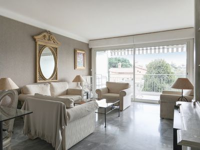 Photo for Calm and luxurious flat with terrace and swimming-pool in Cannes - Welkeys