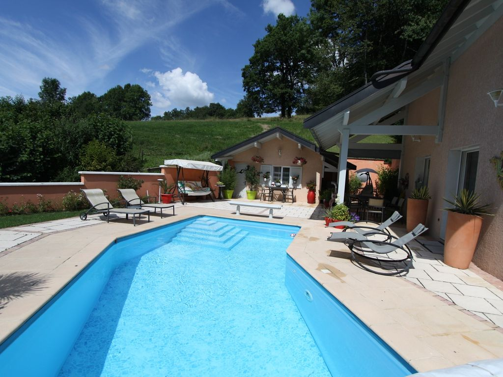Promotion from 18 08 to 24 08 villa with vrbo for Garage auto annecy