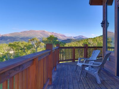 Photo for Insane MOUNTAIN VIEWS! 6 bedroom(incl.4 Kings w/ensuite baths) 20mi Breckenridge