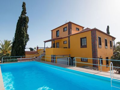 Photo for Lovely apartment for 8 guests with WIFI, private pool, TV, balcony and parking