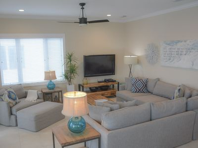 Photo for 5 Bedroom, 5 Bath, Gulf Front, Sleeps 16, Private Pool & Spa, Pet Friendly!!!