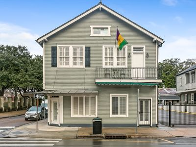 Party Pad, Sleeps 12: 3 BLOCKS TO BOURBON AND FRENCH QUARTER ATTRACTIONS