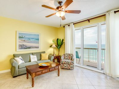 Photo for Spacious Gulf-front condo, Beach set-up included, Free Wi-Fi, On-site pool and hot tub