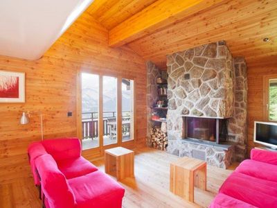 Photo for 3-bedroom-chalet, 4* for 6 people situated about 800m away from the cable car station, about 10-minu