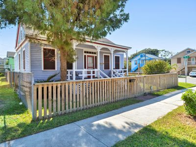 Photo for This Ball Street historical home is walking distance to UTMB, cozy and comfortable, ready for your short term vacation or monthly rental!