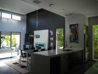 Stunning, ultra modern pool home within walking distance of Sarasota Downtown