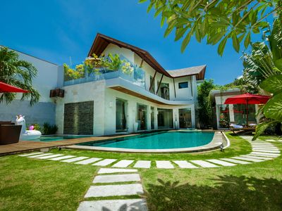 Photo for Eco-Inspired, Luxury, Pool, Jacuzzi, near beach, restaurants, boutique Seminyak