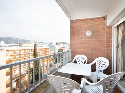 Photo for Apartment very well airy and bright. Terrace with good views.