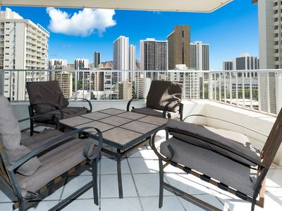 Photo for Modern. Central, 5 min Walk to Beach. New AC! WiFi, Full Kitchen, Washer/Dryer