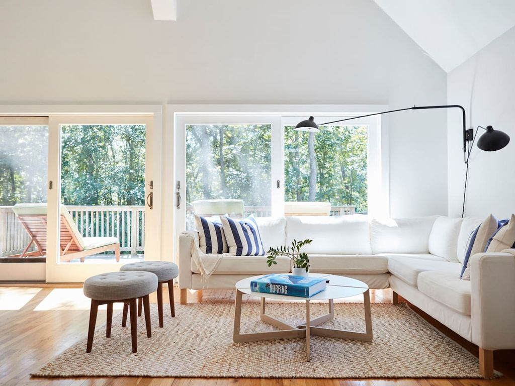 Bright & Cheerful Modern Home In The Woods ... - VRBO