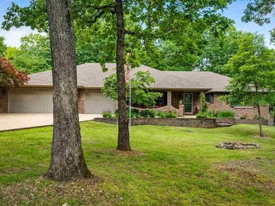 Photo for Beautiful 3 Bdrm 3 Bth almost an acre minutes to Bull Shoals Lake & White River!