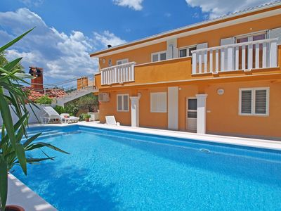Photo for Lovely apartment for 5 guests with pool, A/C, WIFI, TV and parking