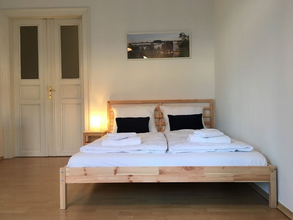 Family friendly bright spacious apartment... - HomeAway Leipziger ...
