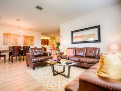 Photo for Renovated 3BR/2BA lakeview condo!