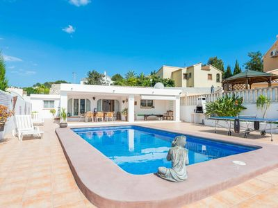 Photo for Villa Fresno-Has its own private pool, Close to local amenities & includes WI-FI
