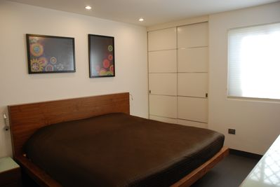 Master bedroom King size bed - Closet