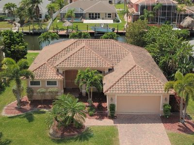 Photo for 4 bedroom waterfront villa with gulf access