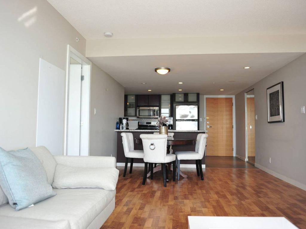 Comfortable 3BDR 2BA condo in Central Richmond