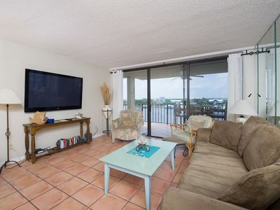 Photo for Bay Front across the street from Beach access - Kayaks included!!