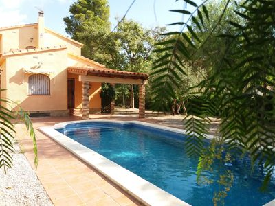 Photo for Beautiful villa with private pool, garden, for 9 persons, air conditioning, wifi