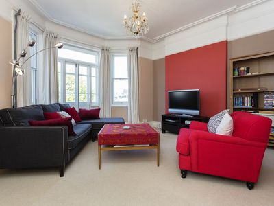 Photo for UP TO 20% OFF - A fresh and modern 3 bed flat in boutique Chiswick (Veeve)