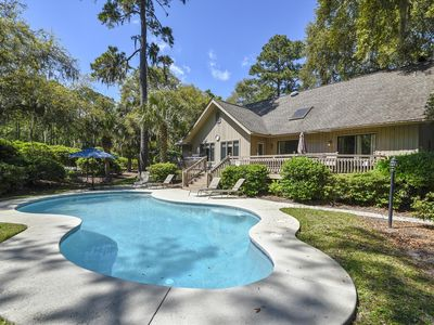 Photo for A handsomely decorated, modernized, 4 bedroom, 3.5 bathrooms, cottage style home
