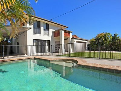 Photo for 5 bedroom beach home - WINTER SPECIALS! SAVE 15% to 20% PER NIGHT!