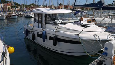 Photo for Beautiful 9m Jeanneau boat, comfortable, bright and spacious