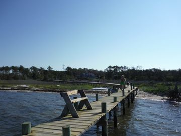 Family-friendly private waterfront get-away. Great fishing, birding and boating.