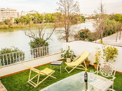 Photo for Cozy Apartment in Seville-AlohaMundi Castila I