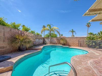 Photo for Beautiful home on a cul-de-sac w/ private pool & Ping-Pong!