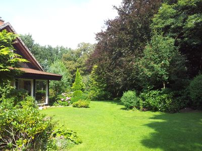 Photo for Holiday home with large garden, pool, campfire and smoker