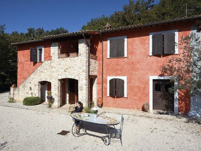 Photo for Home holiday with swimming pool near Spoleto, Norcia and Assisi