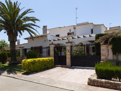 Photo for Villa with private pool, terraces, chill out and 50 meters from the sea