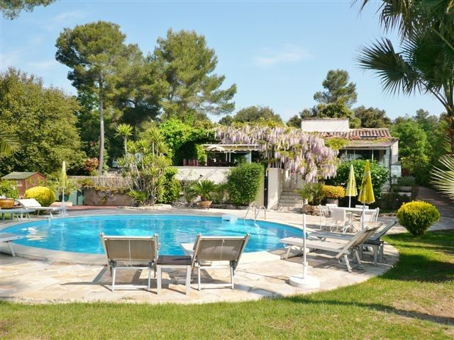 Lovely detached Mediterranean villa with private pool-air conditioning