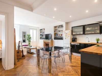 Photo for ★ SAXE & THE CITY ★ 90m², 1 to 8, Balcony with Fourvière view, Central LYON ❤️