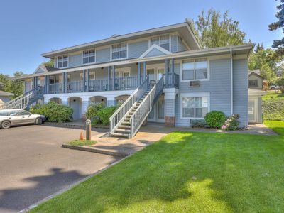 Photo for Lodge 9 - Beautiful Kitchen Remodel - Condo with a River View in the Heart of Hood River!